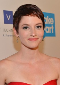 Chyler-Leigh-Short-Pixie-Haircut-for-Fine-Hair